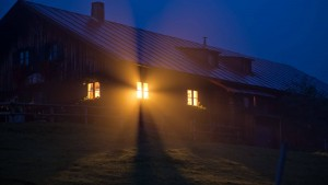 Move into the House of Light - In - Us